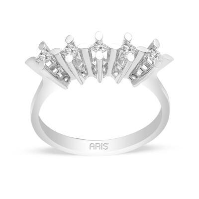 Pırlanta Prenses Beştaş Yüzük